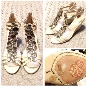 New! Vince Camuto Wedge Sandals paid $138 size 8.5